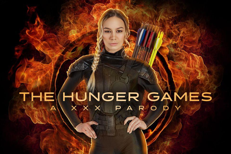 Hunger Games A XXX Parody with Naomi Swann – VRCosplayX