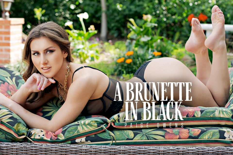 A Brunette in Black with Paige Owens – BaDoinkVR