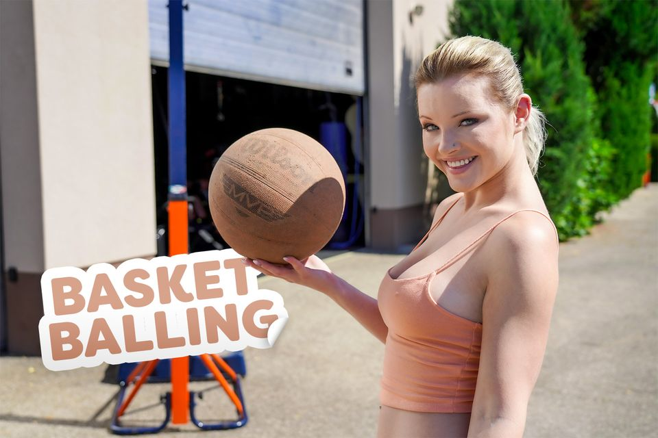 Basket Balling with Zazie Skymm – 18VR